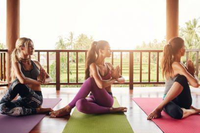 3 Posizioni Yoga per Depurare il Fegato a Primavera